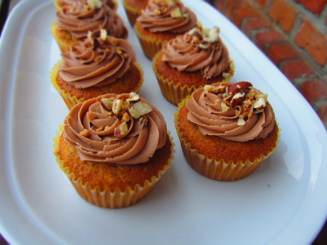 Haselnuss-Cupcakes mit Nutella-Topping