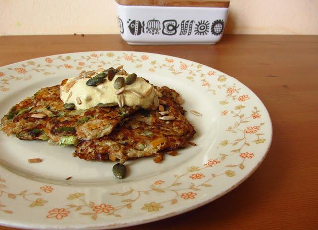 Veggie Puffer mit Curry-Mango-Dip