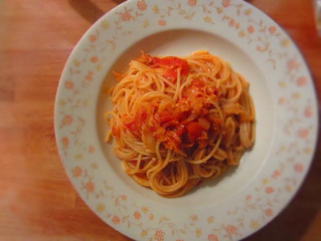 Spaghetti mit Spitzkohlsoße