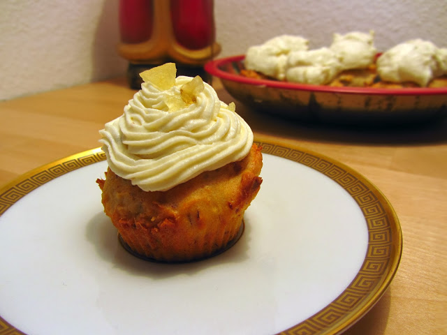 Christstollen-Cupcakes mit Marzipantopping
