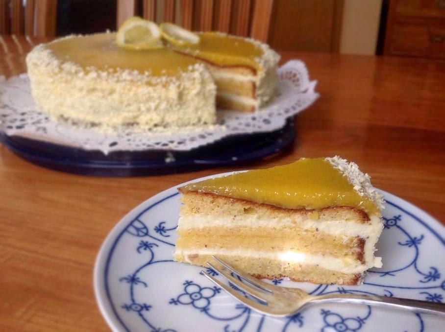 Weiße Schokoladentorte mit Zitrone