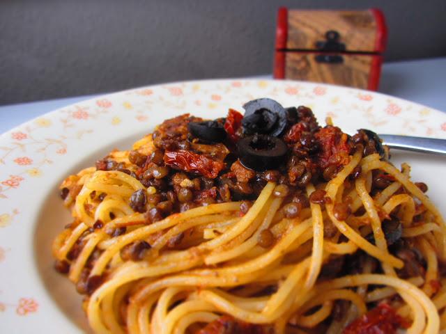 pasta con lenticchie - Spaghetti mit Linsen und Oliven