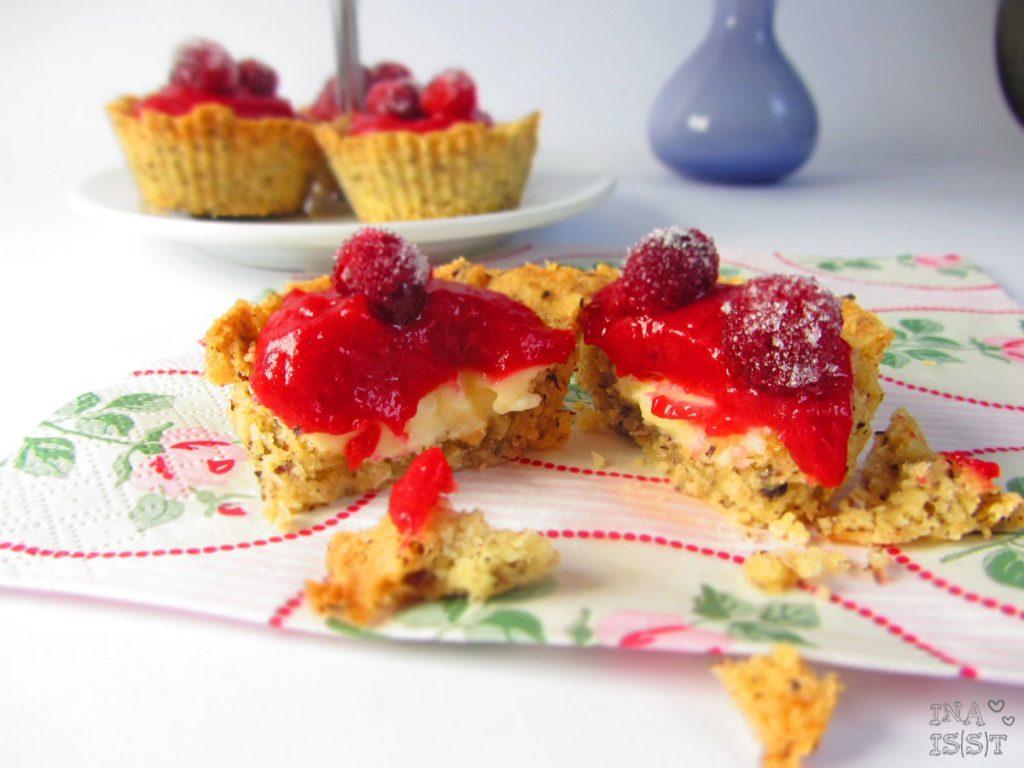 Cranberry-Haselnuss-Törtchen