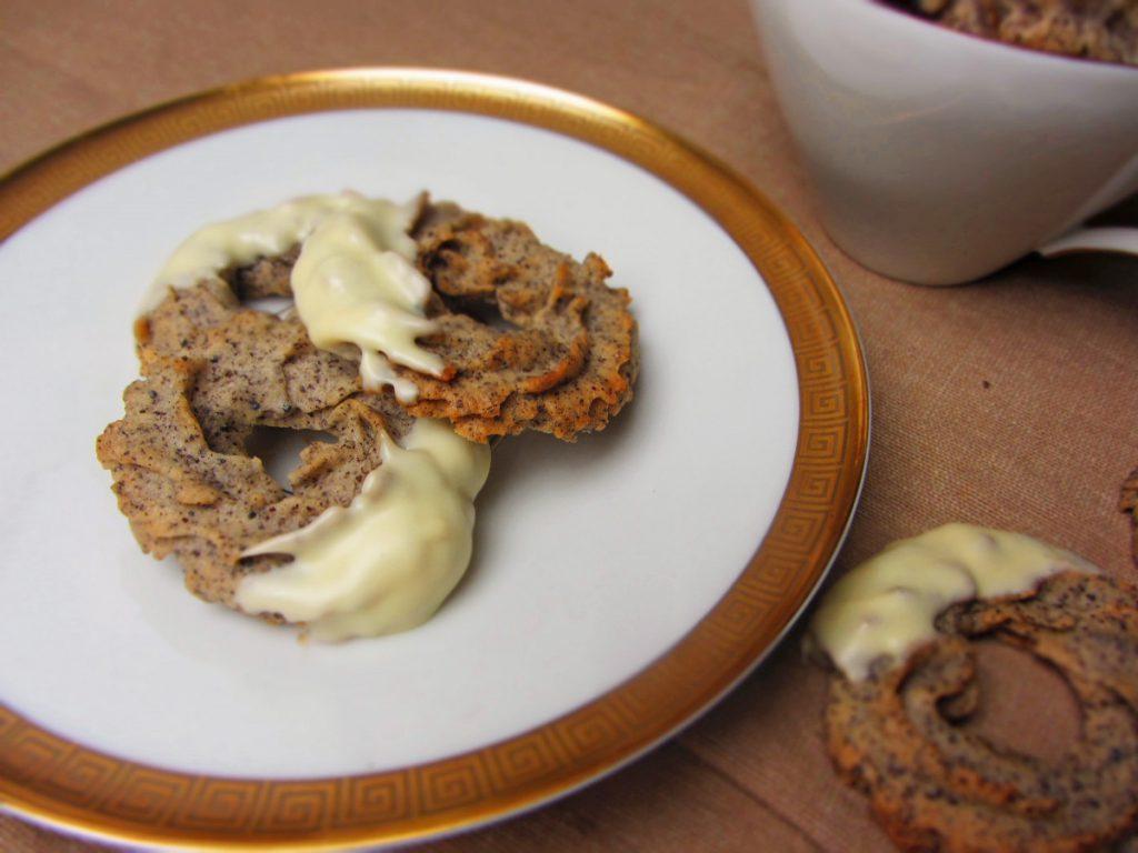 Mohnkringel mit weißer Schokolade