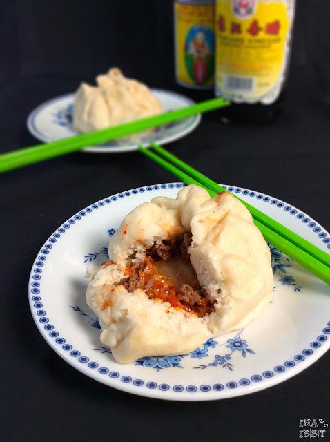 Chinesische Baozi - Herzhafte, gedämpfte Teigbällchen