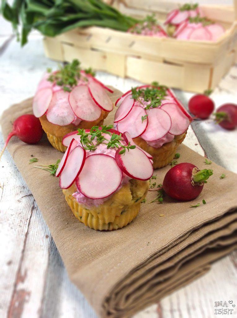Bärlauchmuffins mit Frischkäse und Radieschencreme