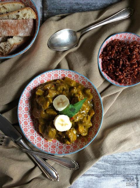 Fruchtiges Putencurry mit Banane und Lebkuchengewürz