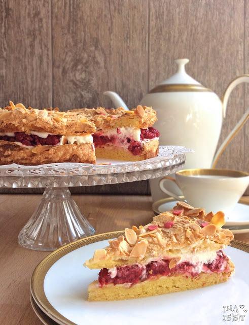 Kulinarische Kindheitserinnerung: Omas Himbeertorte mit Mandeln
