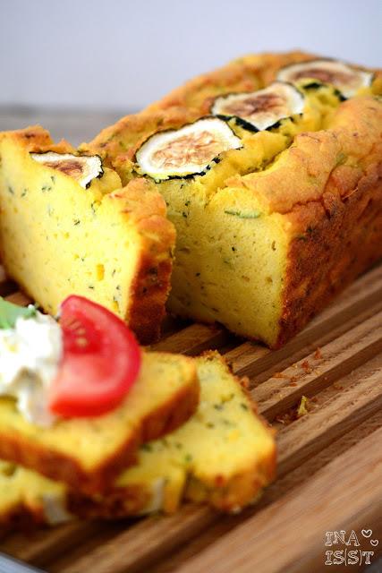 Backen im Sommer: Zucchini-Maisbrot