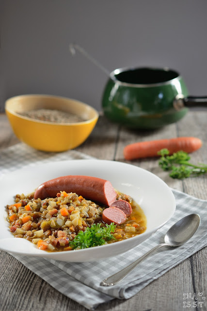 Einfache Linsensuppe mit Rindswurst, Easy peasy lentil soup with beef sausage