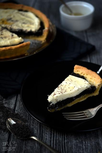 Mohn-Tarte mit Zitronencreme, Poppy Seed Tart with lemon cream