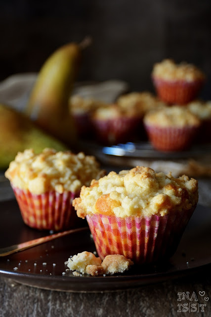 Birnen-Käsekuchenmuffins mit Vanille, Cheesecake muffins with pear and vanilla