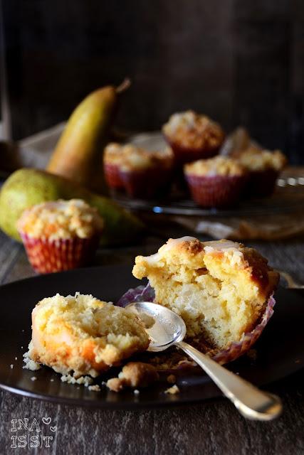 Birnen-Käsekuchenmuffins mit Vanille, Cheesecake muffins with pear and vanilla