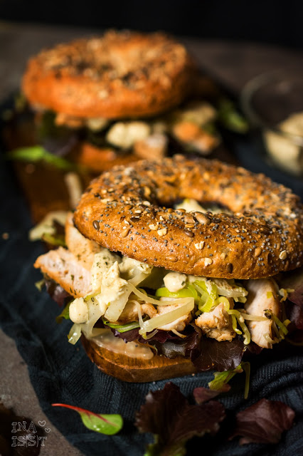 Puten-Bagel mit Fenchel und Senf-Dill-Soße, Turkey bagel with fennel and mustard-dill sauce