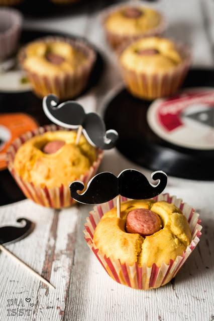 Maismehlmuffins Maismehl-Muffins Corndogs Corndog Muffins Würstchen-Muffins Muffins mit Würstchen