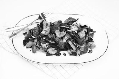 http://vollgut-gutvoll.de/2016/02/23/brokkoli-rotkohl-salat/