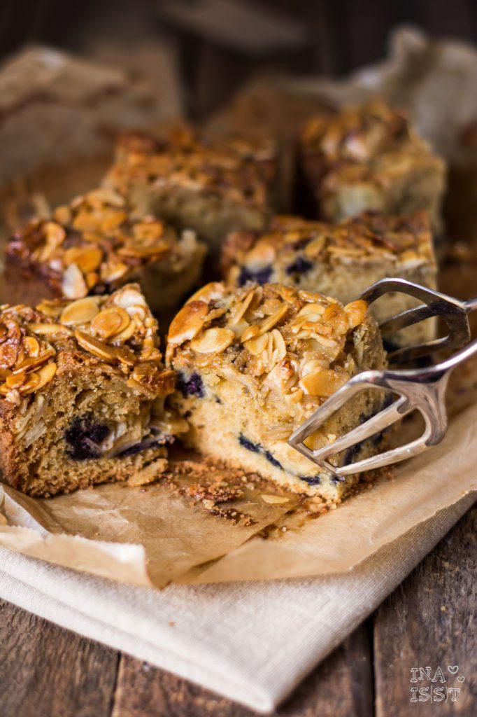 Heidelbeer-Mandelkuchen vom Blech