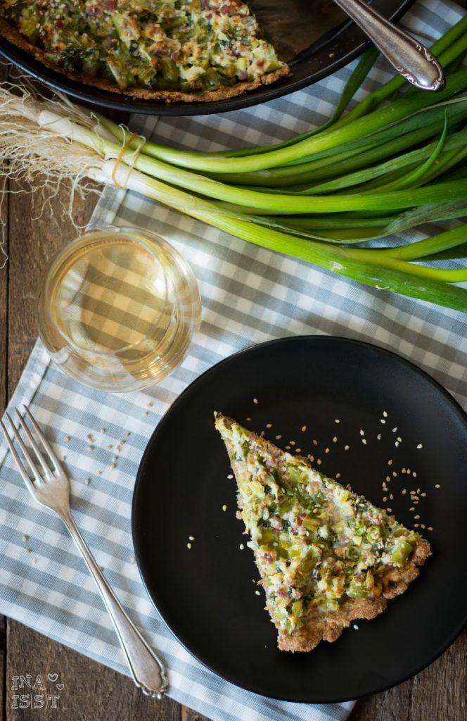 Zwiebel-Bohnen-Quiche mit Sesam und Vollkornteig