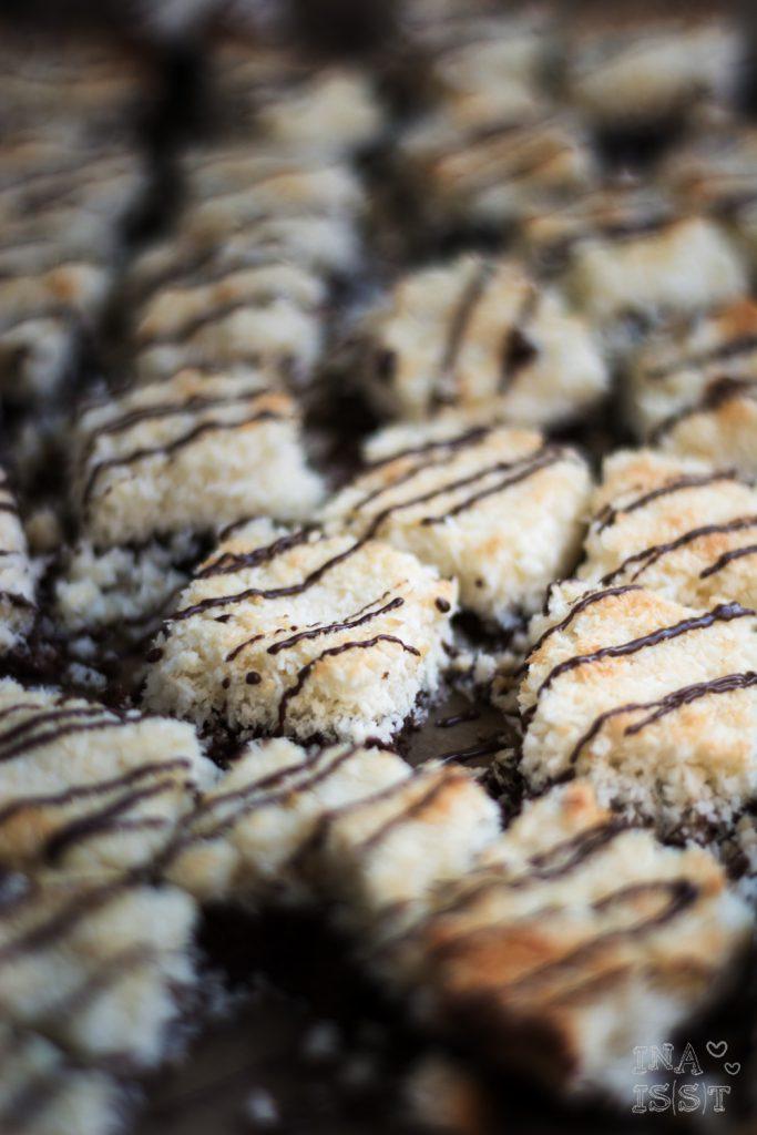 Low Carb Plätzchen; Low Carb Kokos-Brownie-Würfel; Low Carb Cookies; Ina Isst