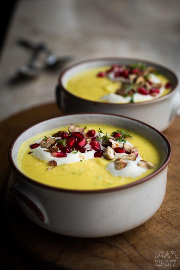 Pastinaken-Senf-Suppe mit Kresse und Granatapfel