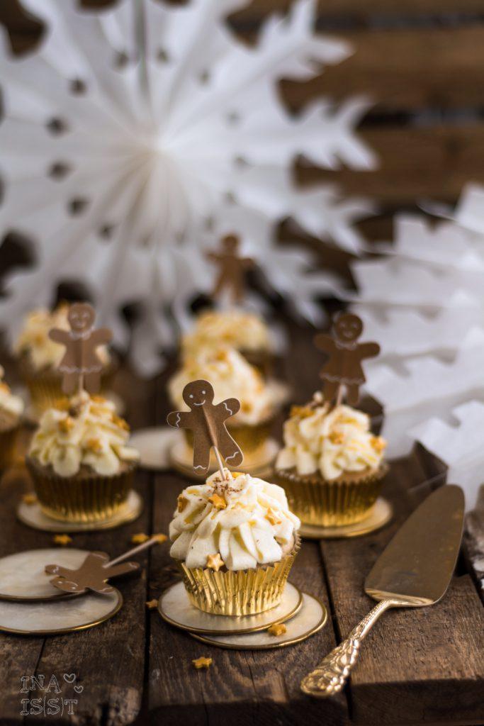 Weihnachtliche Lebkuchen-Cupcakes mit Vanilletopping; Gingerbread cupcakes; Blueboxtree Parties