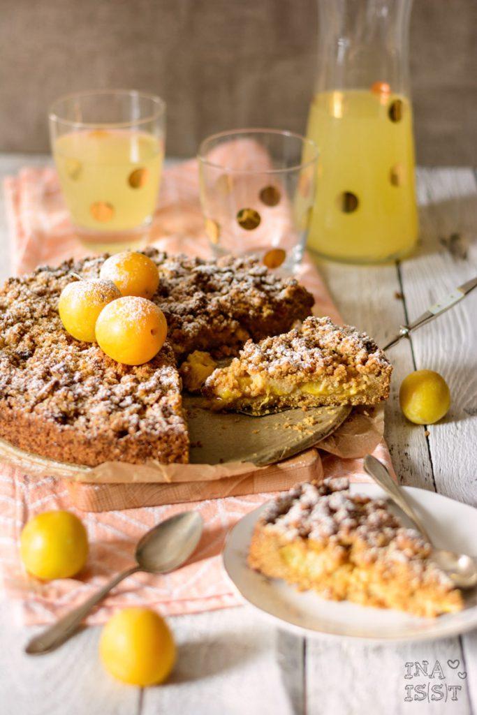 Gelber Pflaumenkuchen mit Zimtstreusel und Kokosblütenzucker