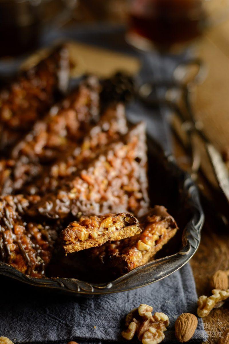 Nussecken mit Waldhonig und Brombeergelee, Klassische Nussecken, Rezept für Nussecken, #nussecken