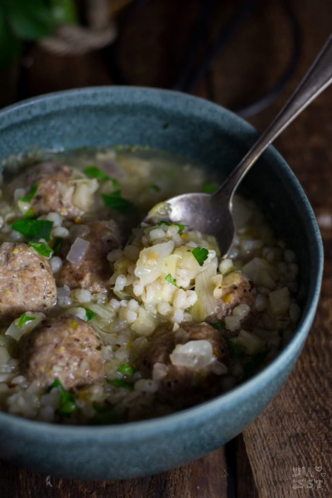 Rezept Graupen-Kohlsuppe mit Tatar Baellchen