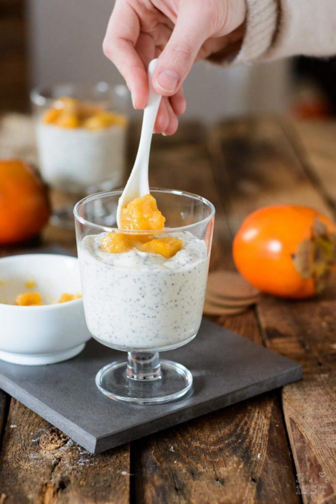 Rezept Mohncreme mit Persimon-Aprikosen Kompott, Mohn Dessert