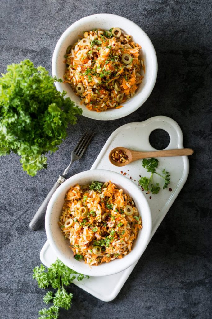Rezept für Möhren-Reis-Salat mit Fetakäse und Oliven