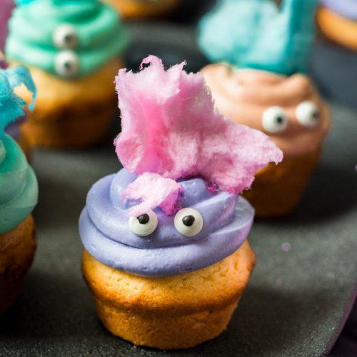 Halloween Monster Muffins mit Zuckerwatte, Candy Cotton Muffins