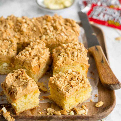 Erdnuss Blondies mit Peanut Butter-Creme