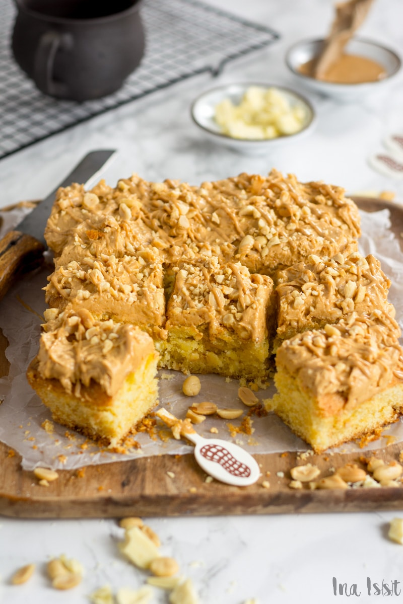 Erdnuss Blondies mit Peanut Butter-Creme