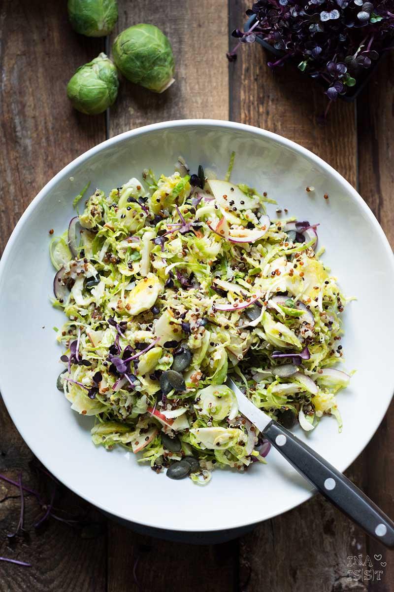 Rezept für Bunter Rosenkohlsalat mit Quinoa und Kresse