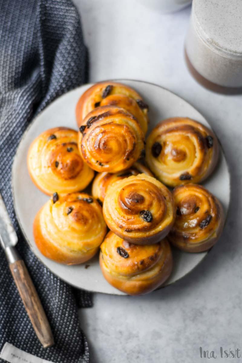 Einfache Puddingschnecken mit Rosinen wie vom Bäcker mit Hefe, #puddingschnecke #hefeteig