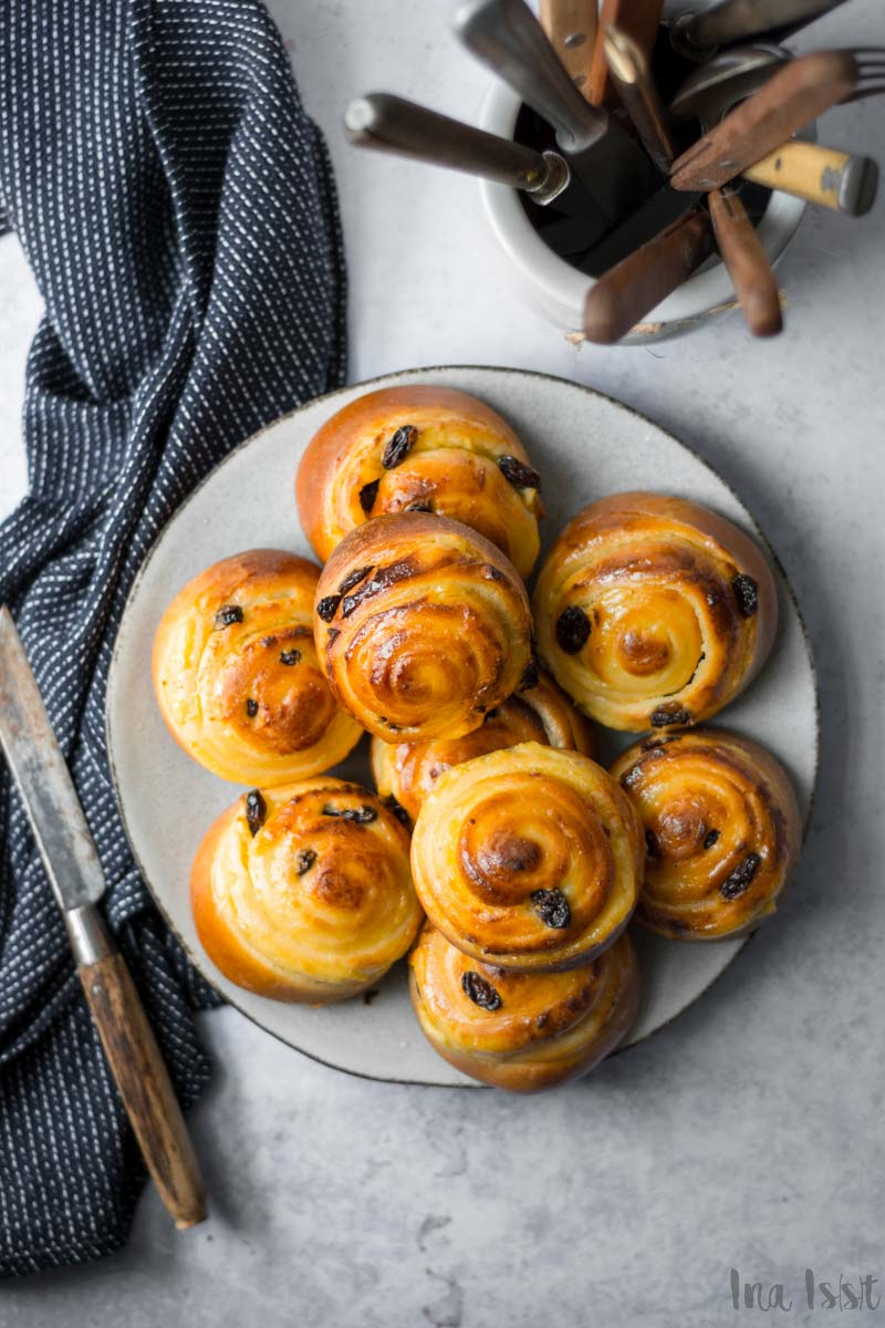 Einfache Puddingschnecken mit Rosinen, #puddingschnecke #hefeteig