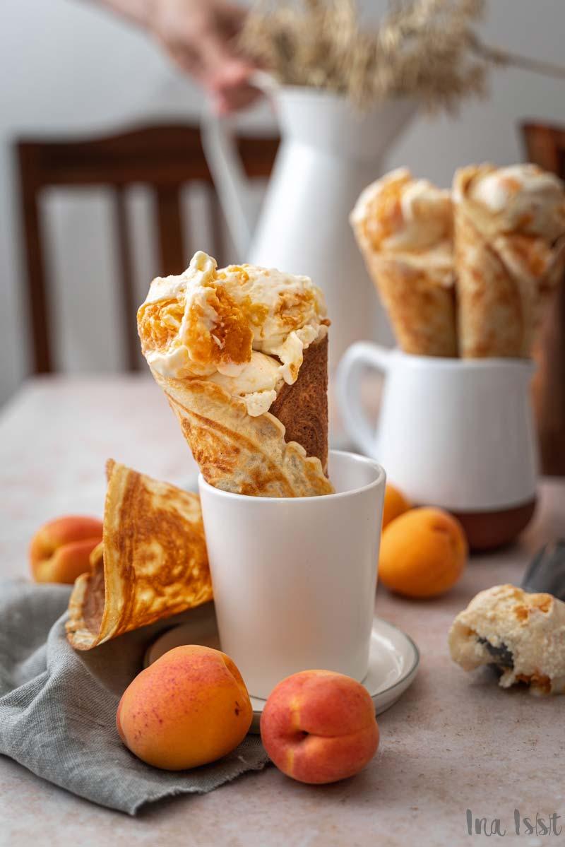Käsekuchen Eis mit Aprikosen Swirl, Cheesecake Ice Cream, Quark Eis
