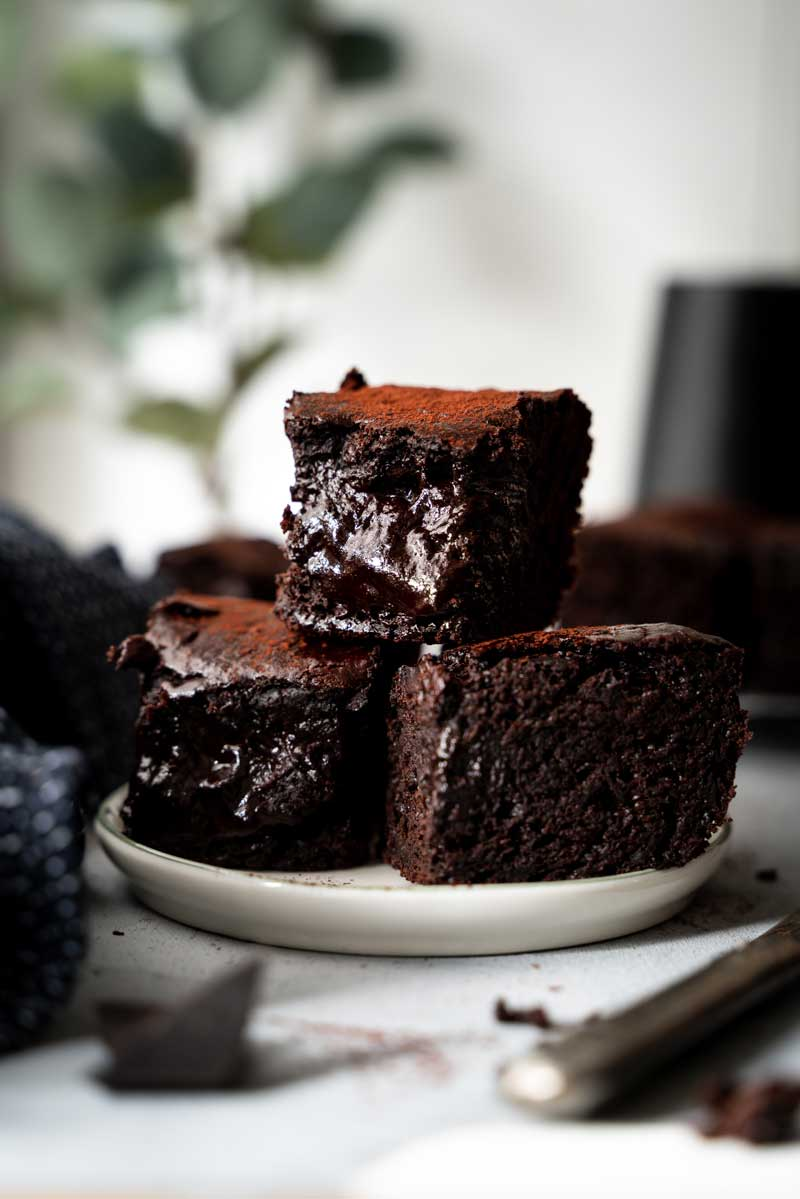 Einfache, saftige Brownies, ohne Butter, low fat Brownies