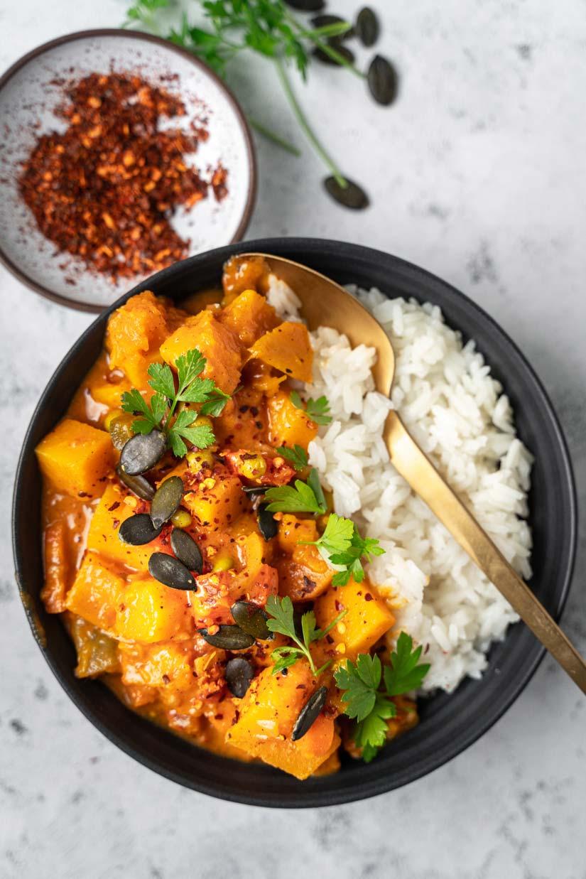 Scharfes Kürbis-Curry mit Kokosmilch vegan
