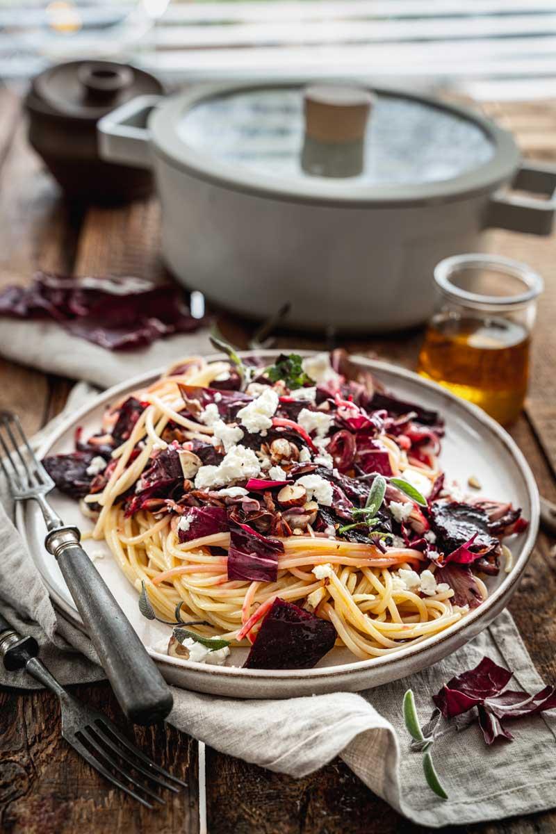 Pasta mit Radicchio, rote Bete und Rapsöl, Heimisches Rapsöl, Nudeln mit Radicchio, Vegetarische Pasta