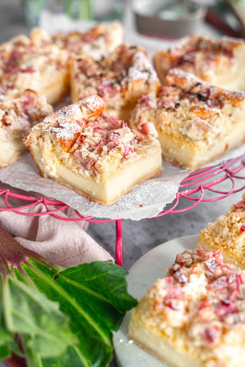 Zauberkuchen mit Pudding und Rhabarber, Rhabarberkuchen mit Pudding, Magischer Zauberkuchen, Einfacher Rhabarberkuchen, #zauberkuchen, #rhabarberkuchen